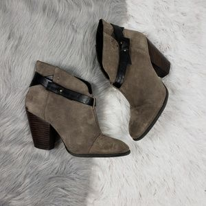 SOLE SOCIETY Gray Suede Leather Bucklr Ankle Boots